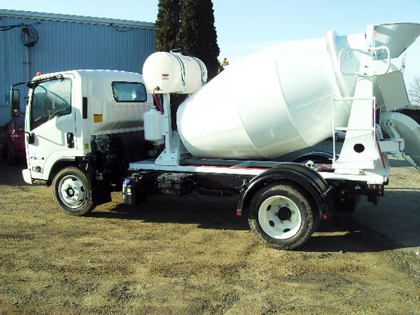 13m3 reliable mobile concrete mixer truck
