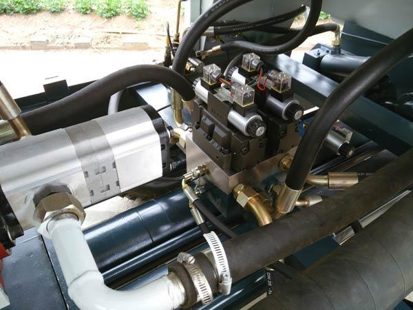 S valve of Aimix concrete pump