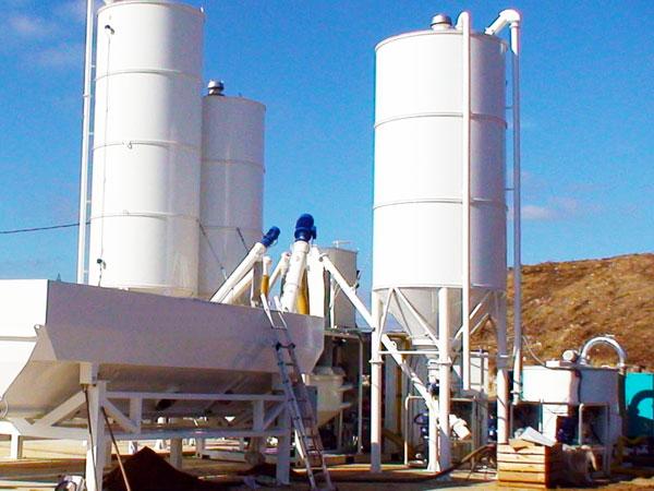 Vertical Cement Silos in Concrete Batching Plant