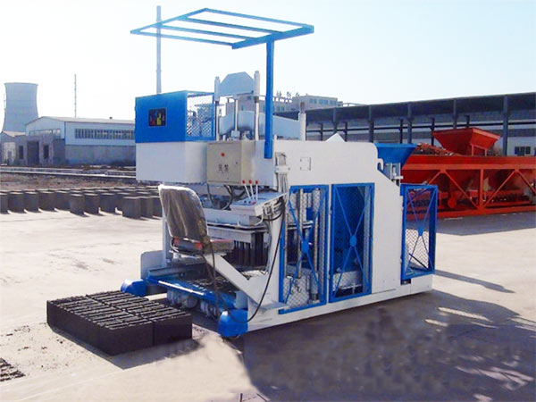mobile brick machine