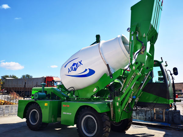 1.8 m3 self loading mixer