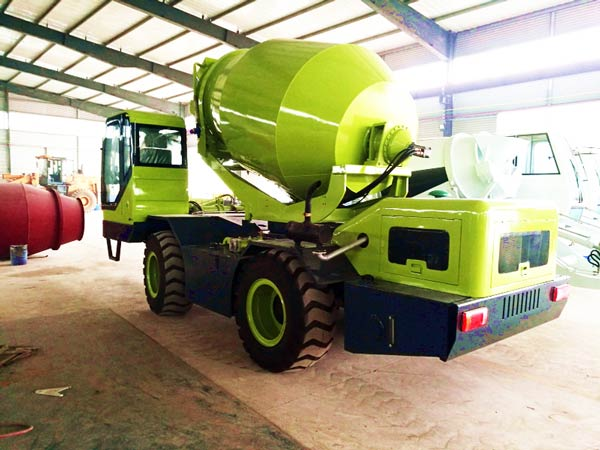 CL4000 self load mobile mixer
