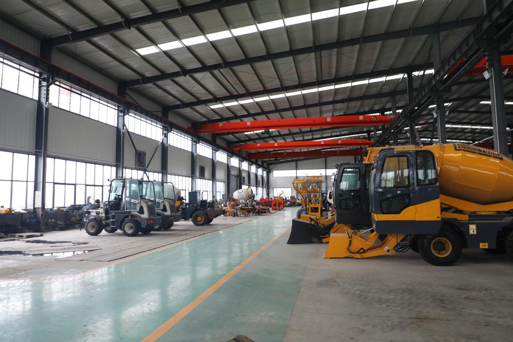 Manufacturing Aimix Self Loading Concrete Mixer in Factory