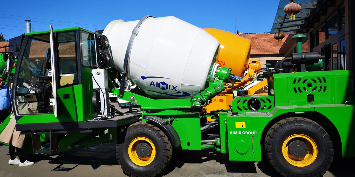 mini self loading mixer for sale