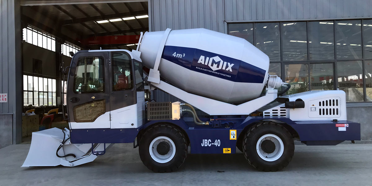 Self Loading Concrete Mixer in Factory